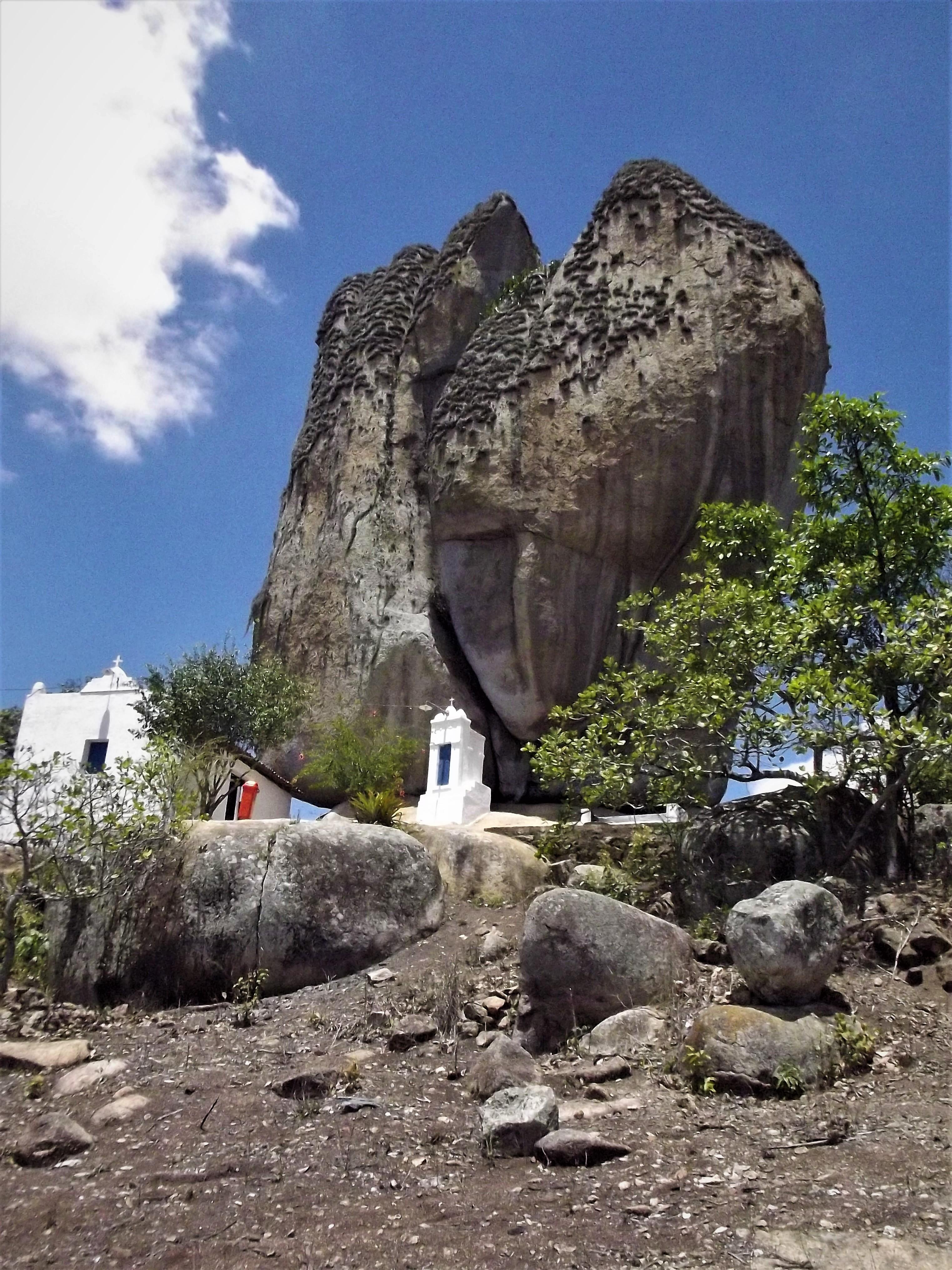 Pedra de Santo Antonio recebe milhares de fiéis todos os anos